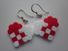 Christmas HAMA earrings - would love to try to crochet something like this