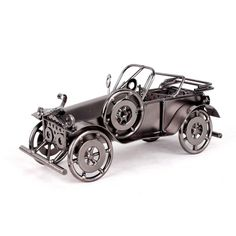 Vintage Metal Beat-up Car Model for Home and Office Ornament