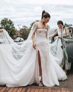 Jessandra 🦋 (@jessandrapusparani) • Instagram photos and videos Fancy Wedding Dresses, Wedding Dress Trends, Bridal Dresses, Wedding Gowns, Wedding Dress Cape, Wedding Dress Topper, Indie Wedding Dress, Ethereal Wedding Dress, Fairy Wedding Dress