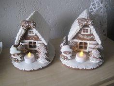 Chaloupky různé, cena 295 Kč Gingerbread Village, Gingerbread Decorations, Christmas Decorations, Holiday Decor, Christmas Cookies, Christmas Ornaments, Pasta Flexible, Candy Making, Easter Crafts