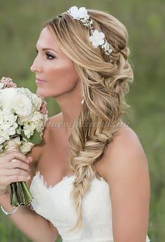 fonott esküvői frizurák
