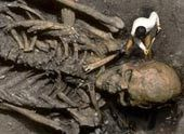 Giant Human Skeletons: Giant Human Skeleton Hoaxes by University Archaeologists