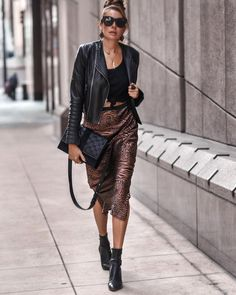 Rocker style with fall 2020 elements - zebra satin midi skirt, leather jacket, black cami. Erica Hoida in San Diego, California with @aliceandolivia, @caminyc, and @piperandskye. Fall Outfits For Work, Fall Fashion Outfits, Cool Outfits, Autumn Fashion, Amazing Outfits, Winter Sweater Outfits, Casual Winter Outfits, Cocktail Outfit, Satin Midi Skirt