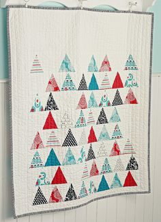 Brrr! Triangles Quilt...   I like the design. This is just  picture no pattern.