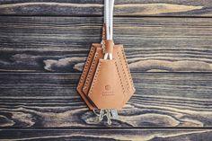 Handgemachtes Leder Schlüsselhalter. Schlüsselbund. von INSIDEgift