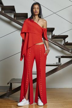 Rosie Assoulin Resort 2016 - Collection - Gallery - Style.com Assoulin definitely wins for most diverse Resort 16 Lookbook--just look at all the other pins on this board, do you see ANY other black models or models of colour? http://www.style.com/slideshows/fashion-shows/resort-2016/rosie-assoulin/collection/4