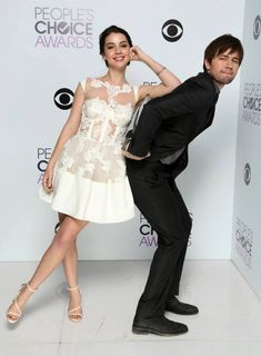 #PeoplesChoiceAwards Oh you guys are just too cute! | adelaide kane & torrance combs