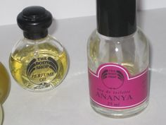 Ananya perfume from The Body Shop, in the 90's. I had this very same perfume bottle. <3 Loved it.