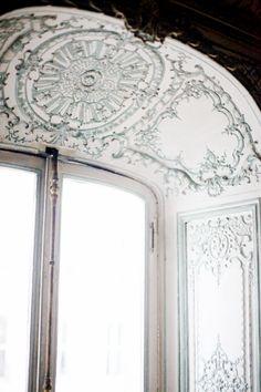 Window at Louis XV appartments at Versailles, Paris, France
