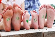 Super cute: Fathers Day Photo Ideas- write on bottom of feet, dress in daddys clothes, chalk picture! Fathers Day Pictures, Fathers Day Photo, Fathers Day Crafts, Happy Dad Day, Daddy Day, Happy Father, Chalk Pictures, Baby Pictures, Mother And Father