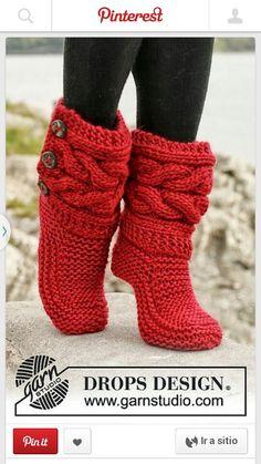 Calcetines tipo bota tejidas a dos agujas