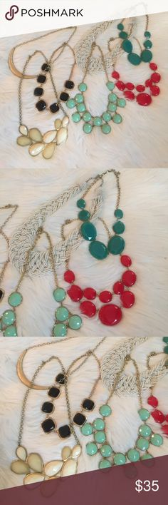 Lot of 7 accent necklaces!! All great gently used condition. Amazing color selection! Dress up any outfit with this collection! Jewelry Necklaces