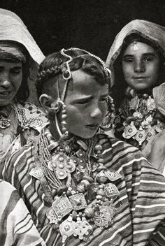 Jewish Berber girls dressed for a festival by J.Robichez (1946).