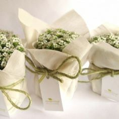 Wedding Favour Sweets, Diy Wedding Favors, Wedding Gifts, Our Wedding, Pink Party Favors, Burlap Wreath Tutorial, Baptism Cards, Succulent Favors, Flower Packaging