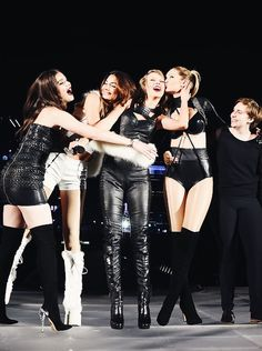 Taylor Swift performs onstage with Hailee Steinfeld, Gigi Hadid, Lily Aldridge and Lena Dunham during The 1989 World Tour Live at MetLife Stadium on July 10, 2015 in East Rutherford, New Jersey.