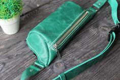 Leather Fanny Pack, Leather Belt Bag, Green Leather, Pull Up, Hip Bag, Small Backpack, Green Bag, Distressed Leather, Zip Around Wallet
