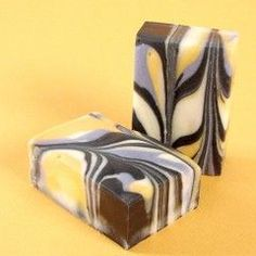 Learn how to make goat milk soap, with fresh goat milk. Goat milk soap feels creamy on the skin, and is great for sensitive skin. Body Tutorial, Homemade Soap Recipes, Soap Making, Wine Making, Bath Salts, Bath Fizzies, Cold Process Soap, Home Made Soap, Body Butter