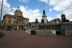 Queen Victoria Monument - Kingston Upon Hull