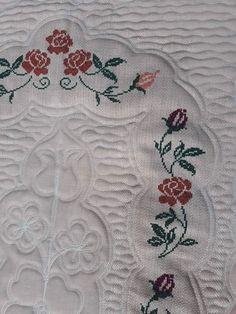 Blackwork Cross Stitch, Blackwork Embroidery, Hand Embroidery, Blackwork Patterns, Free To Use Images, Yarn Shop, Easy Crochet Patterns, Cross Stitch Designs, Vintage Patterns