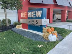 It's looking like fall around our beautiful community! The changing leaves, cooler weather and of course the festive resident activities make this season special. We are ready to welcome (safely) our visitors and residents! 🎃