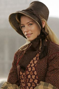 Elisabeth Bank as Maggie Tilton in COMANCHE MOON