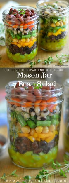 Mason Jar 7 Bean Salad ~ these healthy layered salad jars are the perfect grab and go lunch, put the dressing on the bottom, and flip them over when you're ready to eat! Mason Jar Meals, Meals In A Jar, Mason Jar Diy, Salad In A Jar, Frijoles, Lunch To Go, Bean Salad, Summer Salads, Salad Recipes