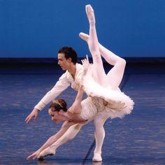 Sleeping Beauty Grand Pas. Australian Ballet. Lucinda Dunn as Aurora.
