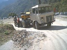 FODEN in Bhutan Commercial Vehicle, Bhutan, Classic Trucks, Axe, Buses, English, Vehicles, Classic Pickup Trucks, Rolling Stock