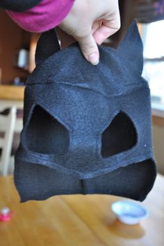 Batman Mask Tutorial By thelifeofacompulsivecrafter.blogspot.com