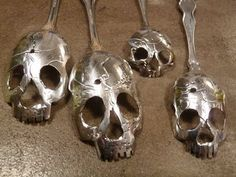 skull spoons..... k so i can't make these but I really really want one!!