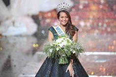 Miss France 2019 : Revivez le sacre de Vaimalama Chaves en images Miss Picardie, Miss Tahiti, Miss France, Image, Copyright, People, Keys, Calendar, Photography