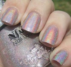 Nfu Oh 62 holographic nail polish