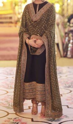 Brides aunt at the dholak/ dholki in sabyasachiYou can find Indian designers and more on our website.Brides aunt at the dholak/ dholki in sabyasachi Pakistani Formal Dresses, Pakistani Wedding Outfits, Indian Gowns Dresses, Pakistani Dress Design, Lehenga Wedding, Indian Attire, Indian Wear, Indian Outfits, Anarkali