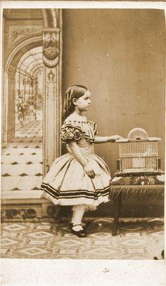 Vintage Family Photos, Vintage Images, Antique Photos, Vintage Photographs, Old Pictures, Old Photos, Post Mortem Pictures, Post Mortem Photography, Zahn