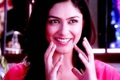 Mrunal Thakur shows how to be an all rounder.  viwallpaper.com