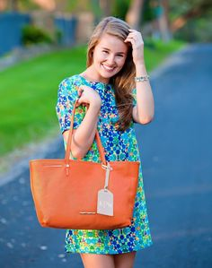 Elaine Turner Southern Preppy Style | how to style a monogrammed bag | spring fashion | spring style | fashion for spring | style ideas for spring | warm weather fashion | fashion tips for spring || a lonestar state of southern