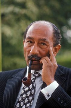 Anwar Sadat former army officer and President of Egypt Modern History, Art History, President Of Egypt, Egyptian Actress, Old Egypt, Historical Images, White Aesthetic, World Leaders, African History