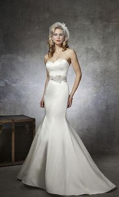 New With Tags Justin Alexander Wedding Dress 8659, Size 4  | Get a designer gown for (much!) less on PreOwnedWeddingDresses.com