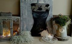 Landelijke stijl schilderij 'Vintage Dress' Roos 50x60cm  acrylverf afgewerkt met mat vernis    www.schilderijenbydini.com