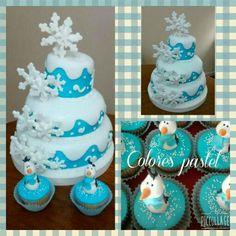 Torta frozen y muffins