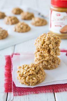 Biscoff No Bake Cookies - Cooking Classy Crazy Cookies, No Bake Cookies, Yummy Cookies, Yummy Treats, Delicious Desserts, Sweet Treats, Yummy Food, Biscoff Cookies, Bar Cookies