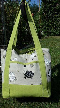 "Bag ""Svea""- Tasche ""Svea"" A beautiful bag ""Svea"" by Karin. Here is the pattern: www. My Bags, Purses And Bags, Tote Bags, Track Bag, Milan Design, Diy Accessories, Beautiful Bags, Travel Bags, Diaper Bag"