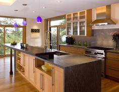 like the way the bar is mounted on soapstone block