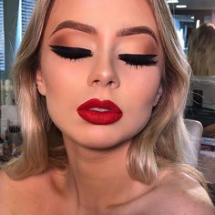40 hottest smokey eye makeup ideas 2020 & smokey eye tutorials for beginners 32 - 40 hottest smokey eye makeup ideas 2020 & smokey eye tutorials for beginners 32 - New Year's Makeup, Glam Makeup, Pretty Makeup, Makeup Inspo, Bridal Makeup, Makeup Art, Wedding Makeup, Makeup Inspiration, Beauty Makeup