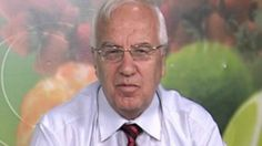 """Un articol de Calin Petru Barbulescu Este vorba despre o reteta conceputa de un cercetator bulgar, profesorul Hristo Mermerski, care si-a castigat denumirea de """"remediu revolutionar"""" pentru faptul ca a vindecat de cancer numerosi oameni.   """"Acesta este un aliment pentru vindecarea intregului organism, un aliment care are ca efect retragerea cancerului"""", sustine profesorul …"""