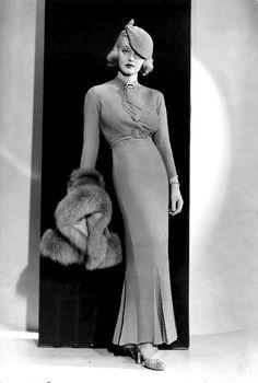 Fashion Obsession - Vintage Gal Bette Davis in Fashions of 1934 gowns by Orry-KellyBette Davis in Fashions of 1934 gowns by Orry-Kelly Hollywood Vintage, Old Hollywood Glamour, Classic Hollywood, Hollywood Style, Hollywood Fashion, Hollywood Actresses, 1930s Fashion, Look Fashion, Retro Fashion