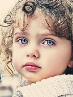 Gorgeous Eyes ♥ ༺ß༻ Beautiful Little Girls, Cute Little Baby, Baby Kind, Beautiful Children, Beautiful Babies, Little Babies, Baby Girl Blue Eyes, Baby Eyes, Eye Photography