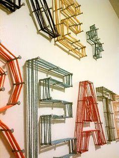 String Art für Dekor und Display wall Inspiration +++ Besuchen Sie www. Youth Group Rooms, Diy Wanddekorationen, Maker Fun Factory Vbs, Deco Originale, Church Design, Kids Wood, Yarn Shop, Stage Design, Wall Design