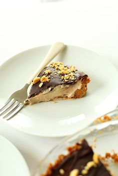 Peanut Butter Cup Pie! 8 Ingredients, SUPER delicious, so easy #vegan #minimalistbaker