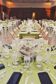 Dinosaur Museum Wedding I do like the table settings and overall color scheme. i love the colors, the museum idea, and centerpieces. will i find a man that will let me do a dinosaur wedding? Simple Wedding Centerpieces, Flower Centerpieces, Centerpiece Ideas, Wedding Decorations, Dino Museum, Dinosaur Museum, Dinosaur Wedding, Wedding Motifs, Green Table
